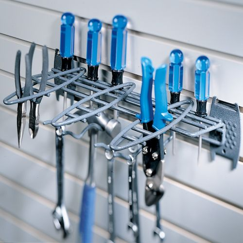 Le Meilleur This Garage Grid Hand Tool Rack Helps You Organize Your Ce Mois Ci