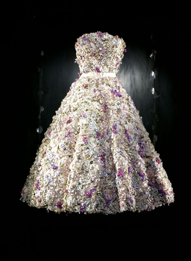 Le Meilleur Dior Dresses And The Impressionist Paintings That Inspired Ce Mois Ci