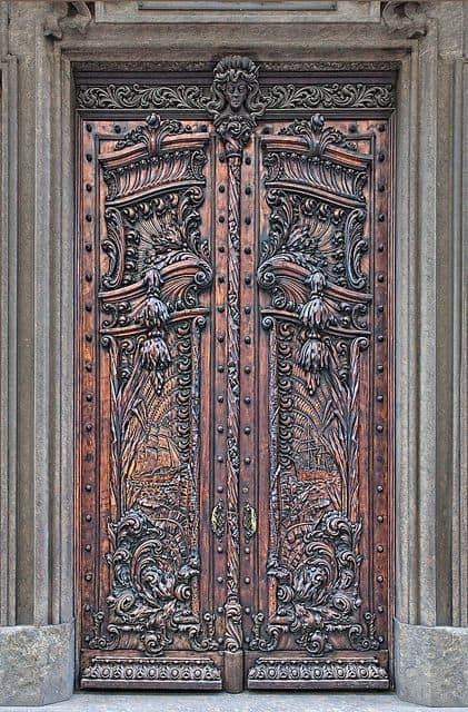 Le Meilleur 29 Splendidly Intricate Hand Carved Doors To Surge Ce Mois Ci