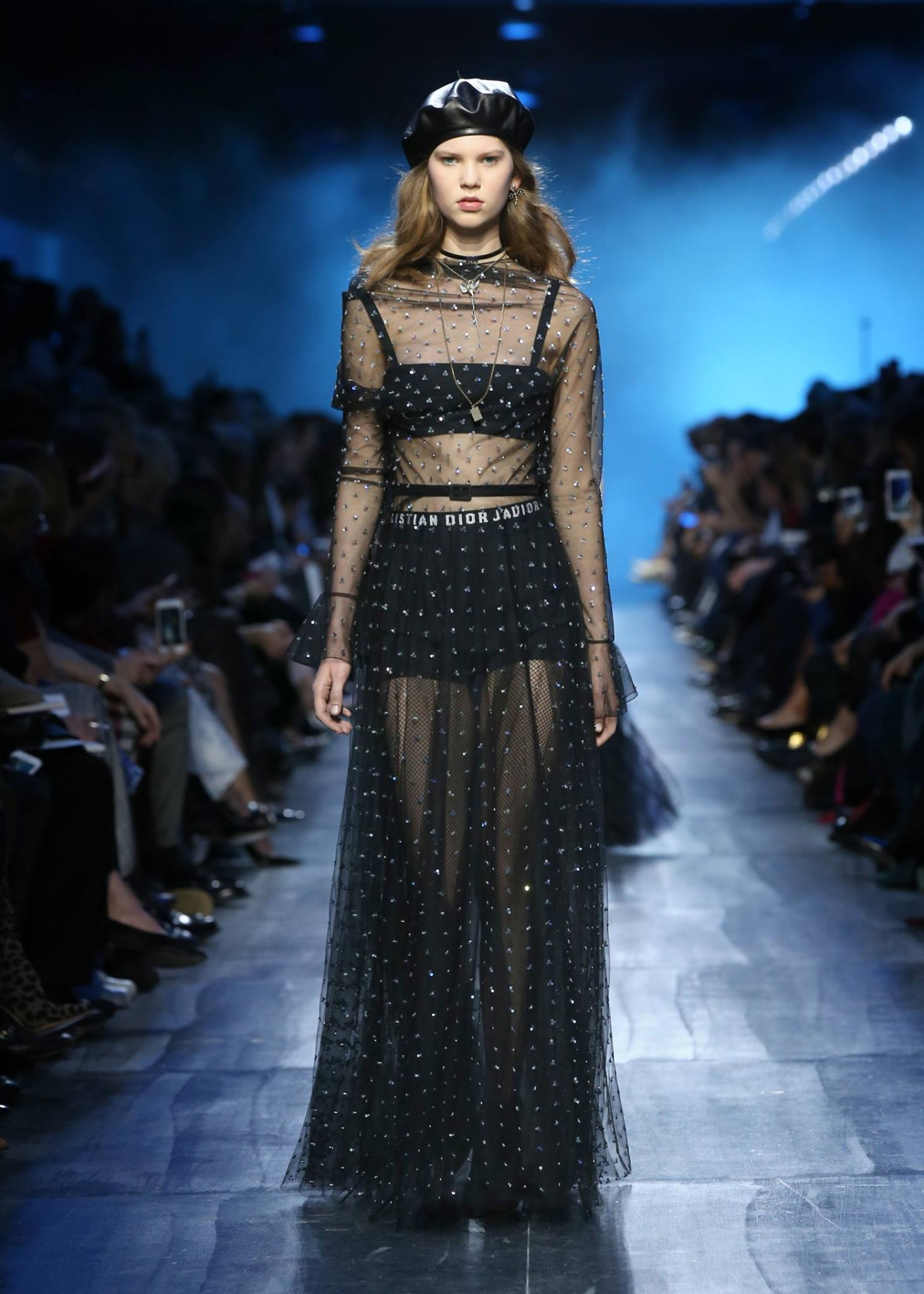 Le Meilleur Dior Autumn Winter 2017 18 Ready To Wear Fashion Show Ce Mois Ci