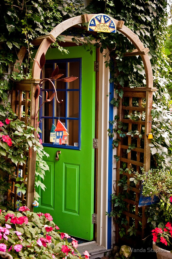 Le Meilleur Behind The Green Door By Wanda Staples Redbubble Ce Mois Ci