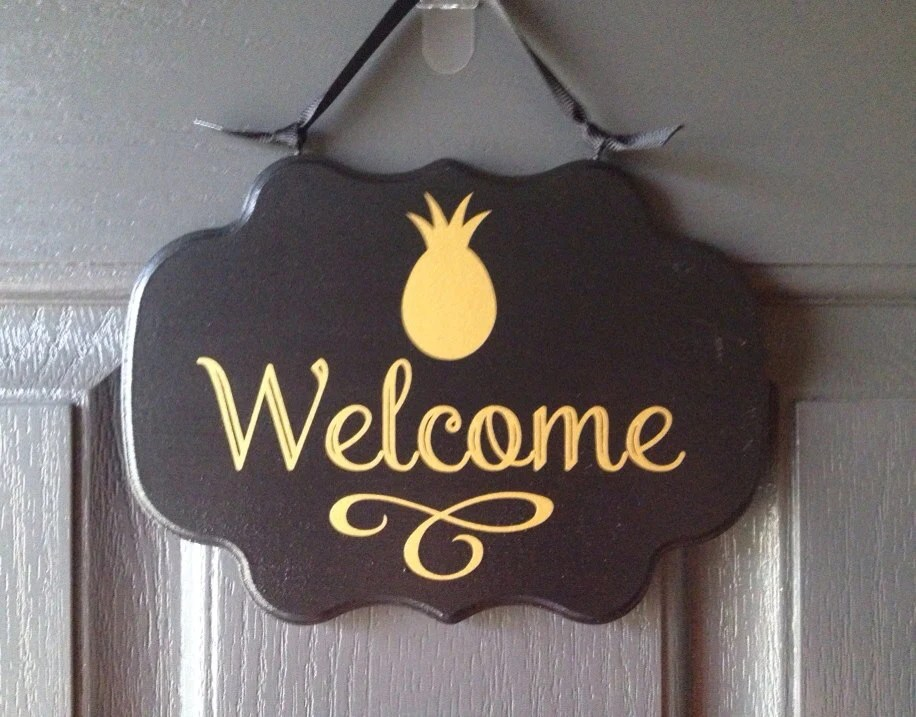 Le Meilleur Items Similar To Welcome Sign With Pineapple Front Door Ce Mois Ci
