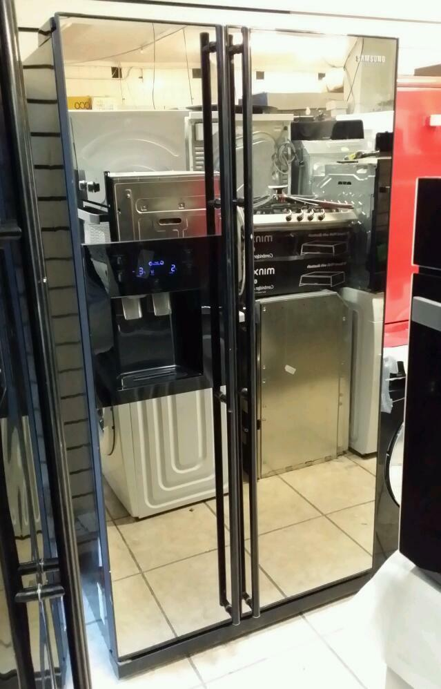 Le Meilleur Samsung American Fridge Freezer With Ice Maker And Water Ce Mois Ci