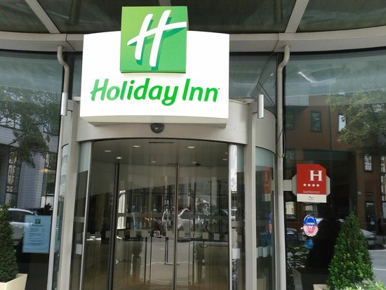 Le Meilleur Eingang Picture Of Holiday Inn Paris Porte De Clichy Ce Mois Ci