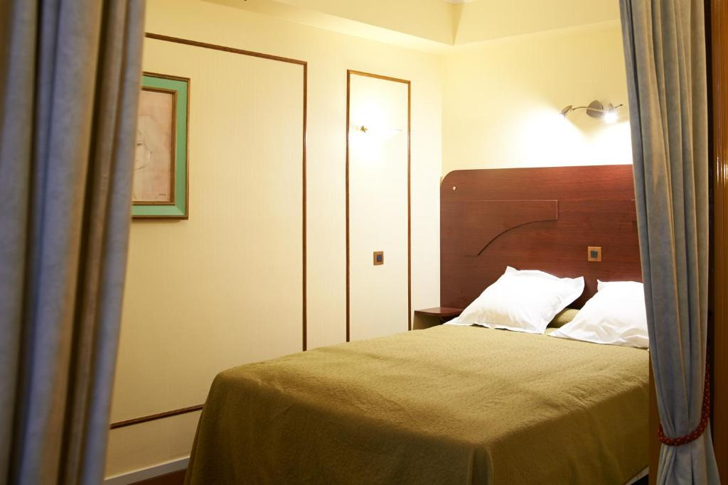 Le Meilleur Hotel Maillot Neuilly Sur Seine Book Your Hotel With Ce Mois Ci