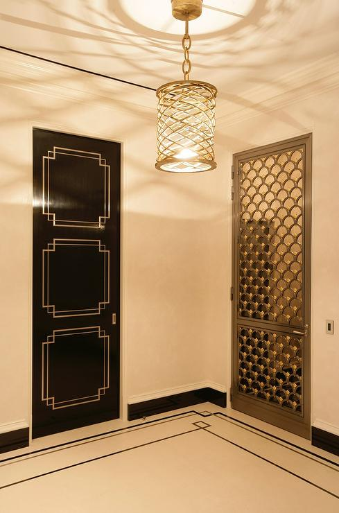 Le Meilleur Hollywood Regency Foyer With Black Art Deco Door Ce Mois Ci