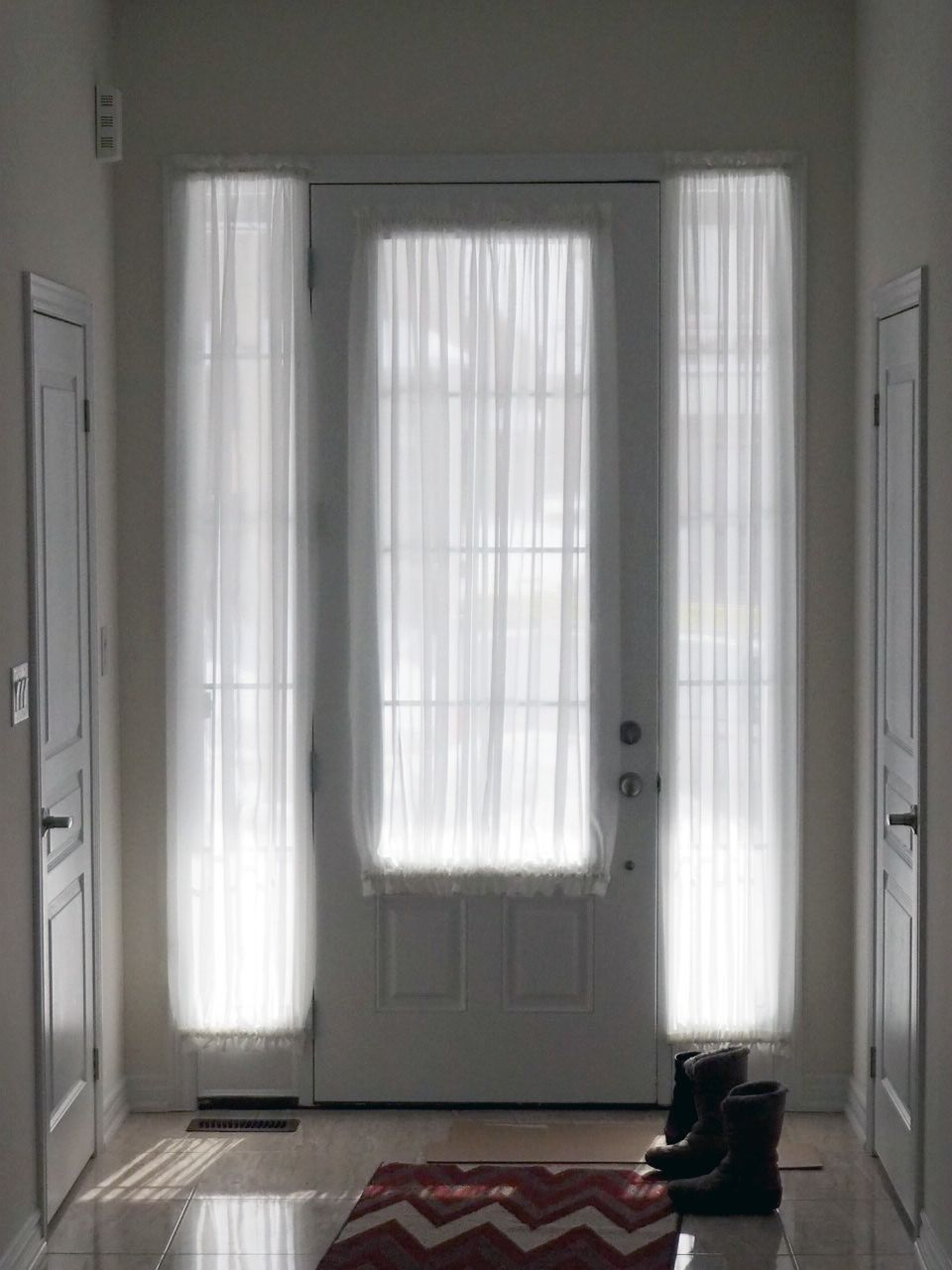 Le Meilleur Sheers For Both The Front Door Glass And The Two Sidelight Ce Mois Ci