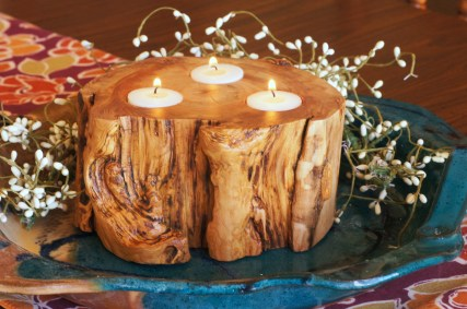 Chunky distressed aspen candle