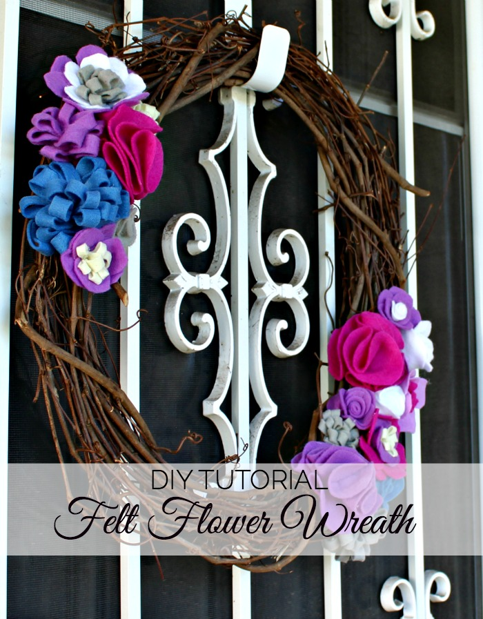 This felt flower wreath tutorial shows how to combine four types of felt flowers into a bright summer decoration.