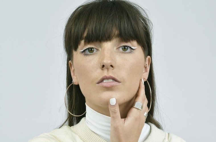Rising pop talent Lily Denning returns with new single 'Me