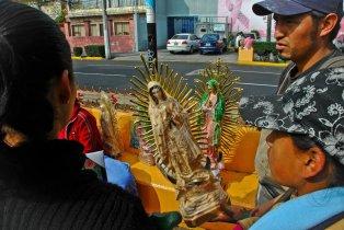 381235_180992445330616_152645858165275_322526_1095032528_n Día de la Virgen de Guadalupe
