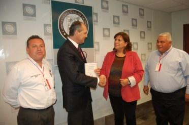 DSC_0065-620x412 DIF President Rafaela Félix de Figueroa goes over hemodialysis project with Sonoran Secretary of Health