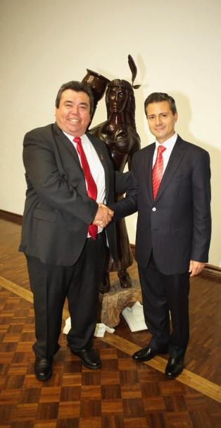 Mayor Figueroa and Mexican President Enrique Peña Nieto