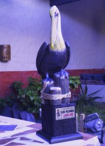 pelicano-trofeo
