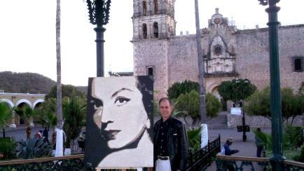 con el cuadro de Maria Felix , expuesta en Alamos Sonora