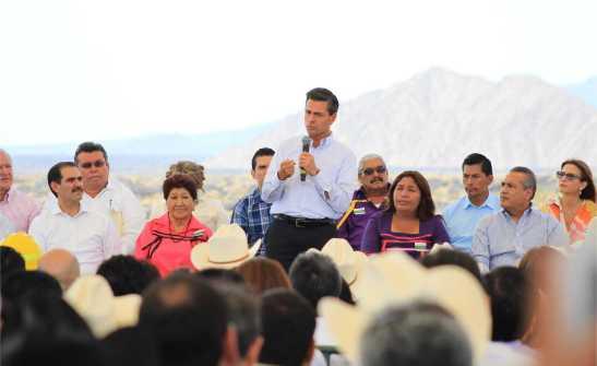 13 Celebra presidente EPN el día de la tierra en el Pinacate