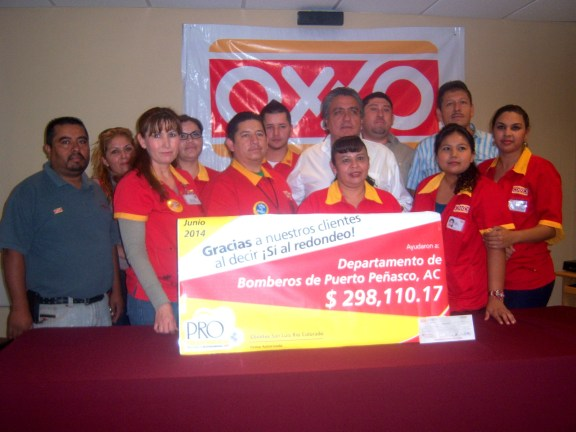 bomberos-oxxo-1 Redondeo de OXXO beneficia a Bomberos de Puerto Peñasco