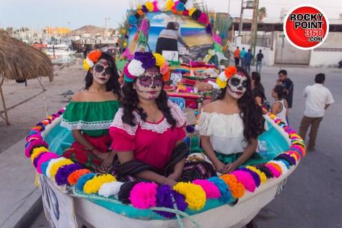 011-02-ofrendas-en-el-mar-2 Día de Muertos en Puerto Peñasco