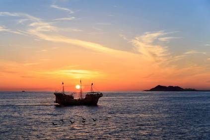 pirate-boat School's in session? Rocky Point Weekend Rundown!