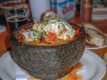 al capones seafood and pizzeria 003