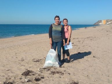 playas-sept30 Busy Beach Clean Up Sept. 30th!