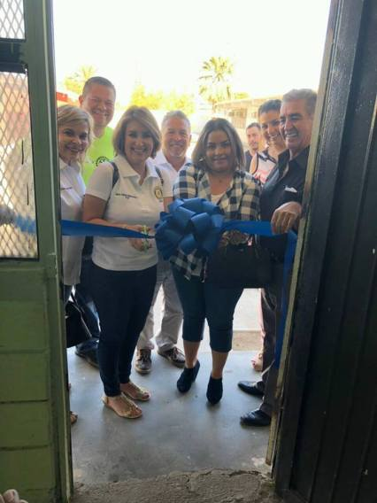 USAER-inaug Puerto Peñasco Rotary Club delivers backpacks and inaugurates new room at local school