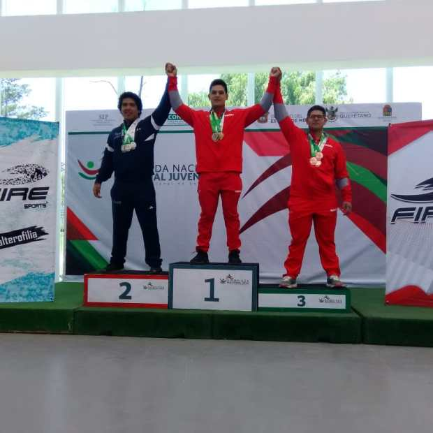 penasco-medals1 Puerto Peñasco athletes bring home weightlifting / track & field medals