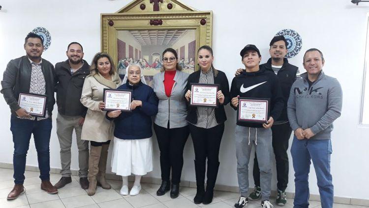 """Asilo-voluntarios-del-año José Dávalos Valdivia """"Casa Hogar"""" Volunteers of the Year"""