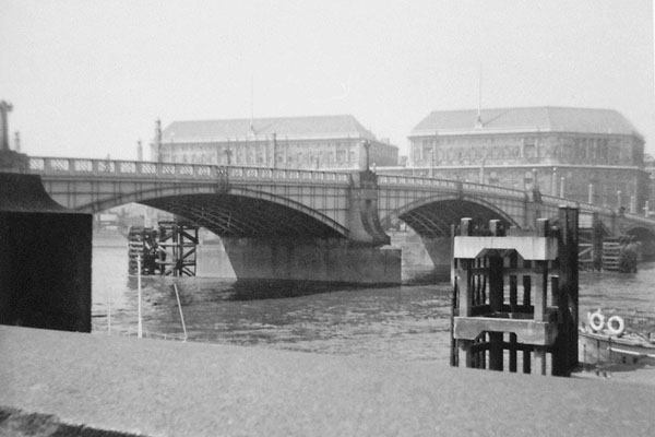 London Bridge, 1958, before they moved it to Lake Havasu City.