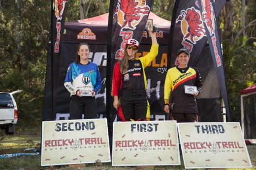 Elite Women's series podium (l-r): Kellie Weinert, Ronja Hill-Wright, Joanne Fox.