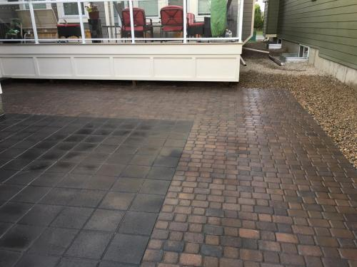 Cobble stone patio with Holland pavers