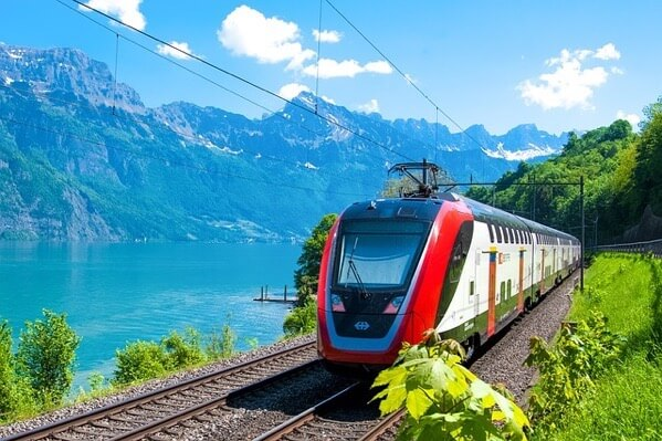 DBというドイツの列車