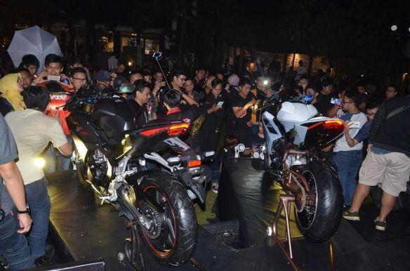 CBR 250RR Premier night Bandung