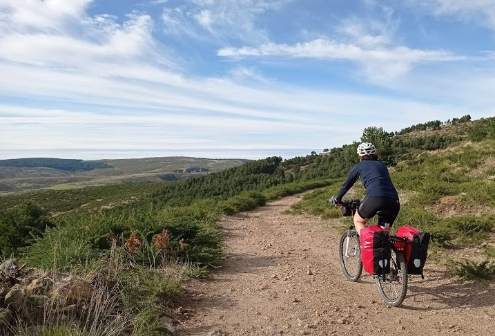 La distancia social nos acerca a un recorrido salvaje por la Sierra Norte