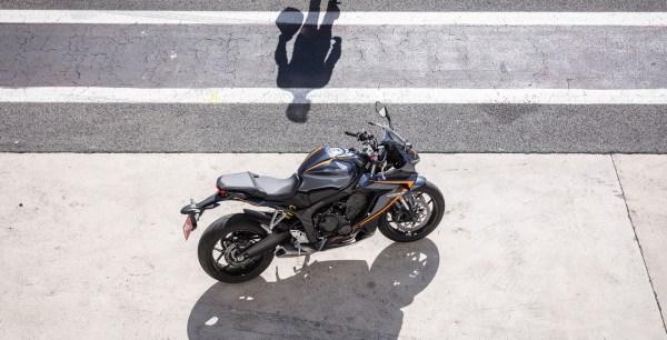 Honda_CBR_650R2500