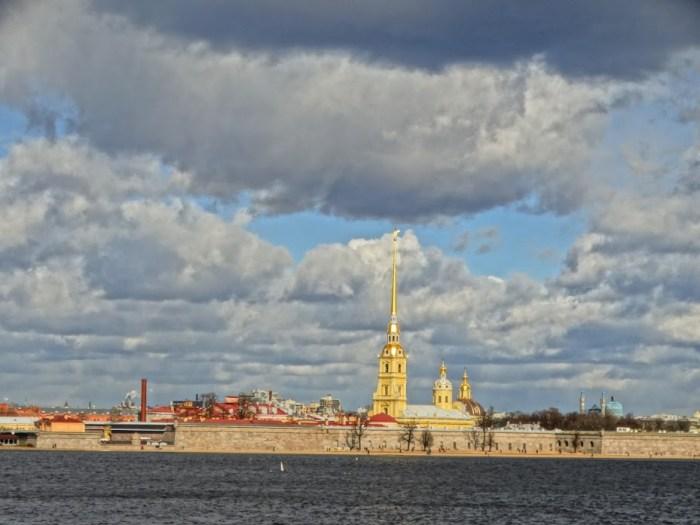Санкт-Петербург. Вид на Петропавловскую крепость