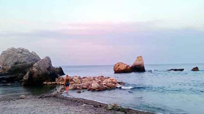 Фото пляжа Нарышкинские камни Симеиз