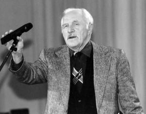 Михаил Ульянов, выдающийся актёр  театра и кино (кн. «Приворотное зелье»).