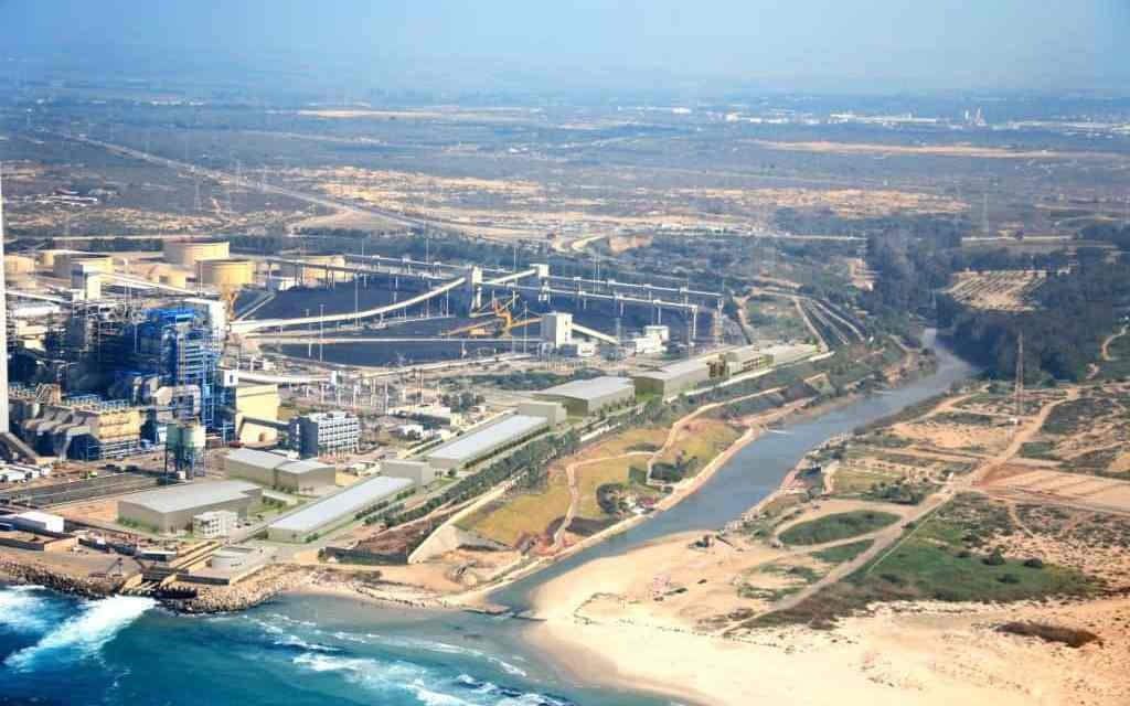 World's Largest Desalination Plant Shows the Way
