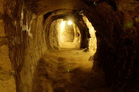 Derinkuyu - fonte: http://sometimes-interesting.com/2014/05/09/derinkuyu-the-underground-cities-of-cappadocia/