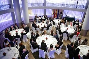 Distinguido con la Medalla de Oro al Prestigio Profesional por el Foro Europa 2001 - Rodríguez Bernal Abogados