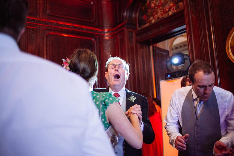 Excellent wedding photographer