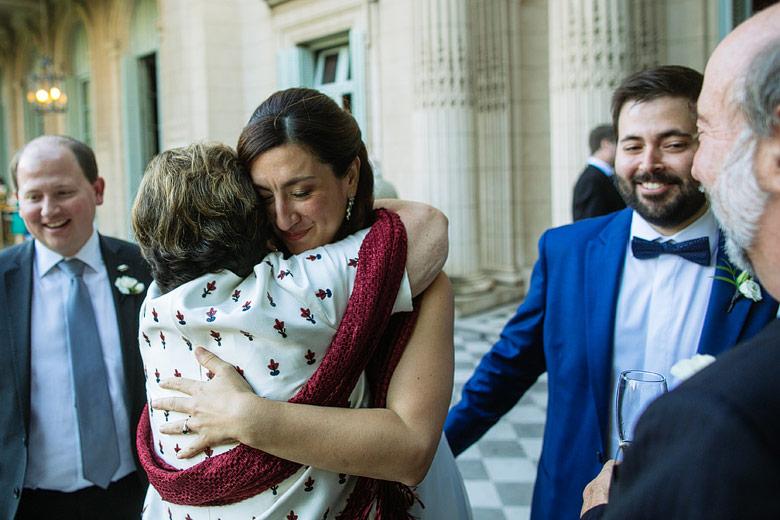 fotografia espontanea de casamiento en el palacio sans souci