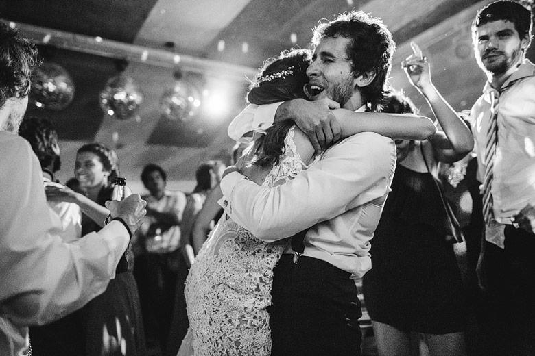 foto artistica casamiento blanco y negro