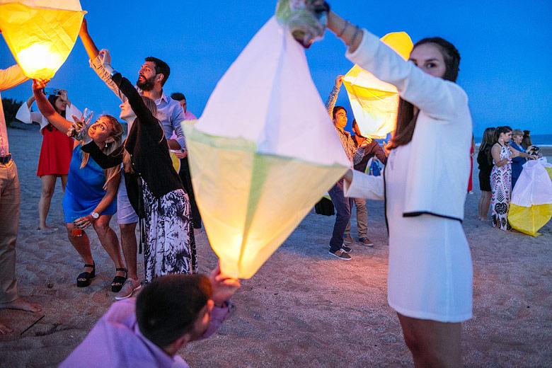 bodas suelta de globos