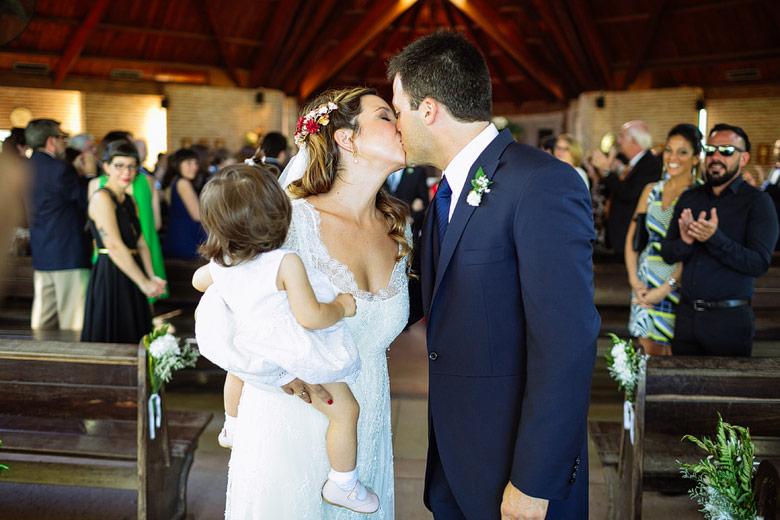 fotos de besos en bodas