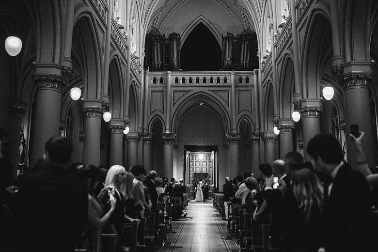 entrada de novia en la catedral de san isidro