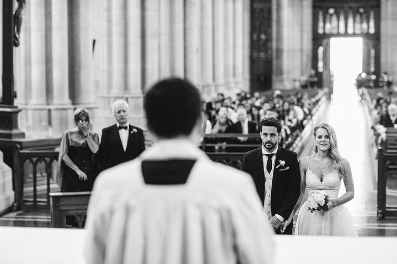 fotos de casamientos en la catedral de la plata