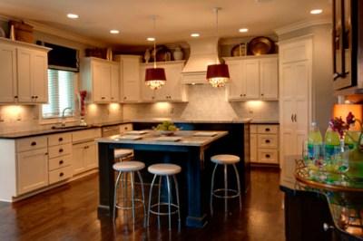 Hepburn II kitchen with black island