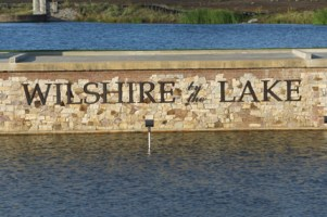 Wilshire by the Lakes community monument